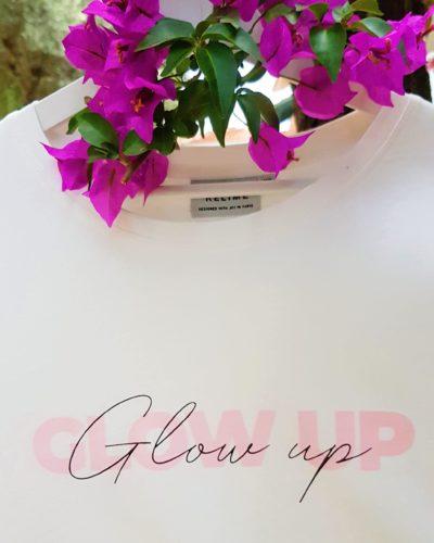 Close up print GLOW UP T-shirt Studio Kelime