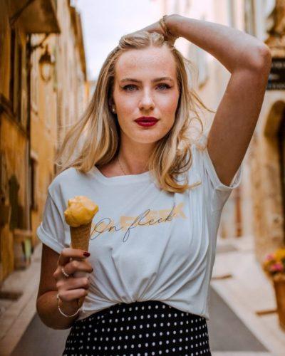studio kelime t-shirt femme en coton organique blanc imprime On Fleek